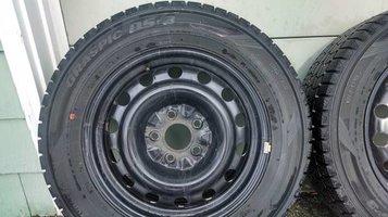 juke_tires_2.jpg